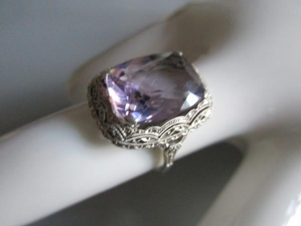 Traumhafter ART DECO Ring-Amethyst