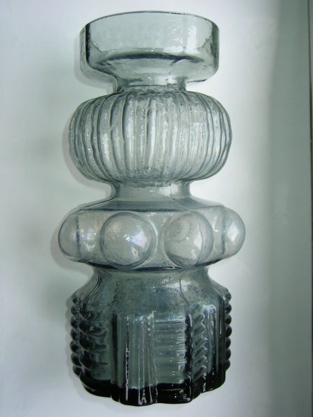 Extravagante Vase-Glas-designed by PER OLOF STRÖM-signiert